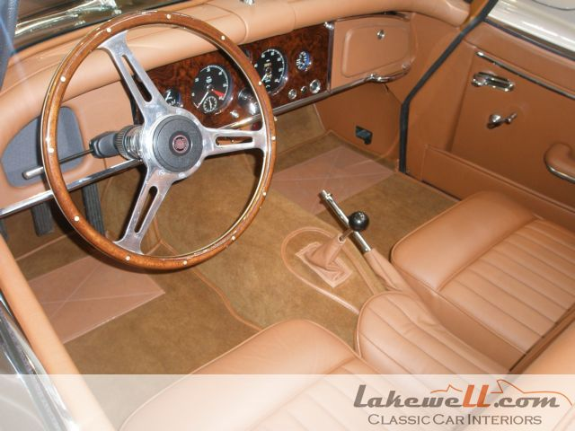 Jeu de moquettes int rieur jaguar xk 150 xk jaguar for Interieur jaguar